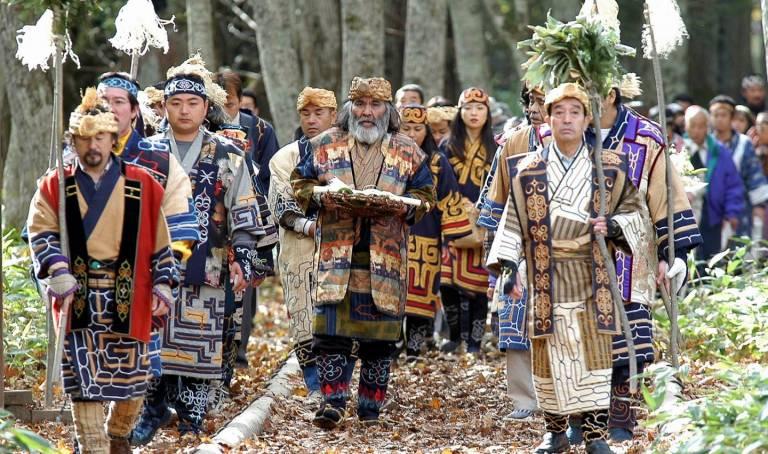 Ainu Prozession