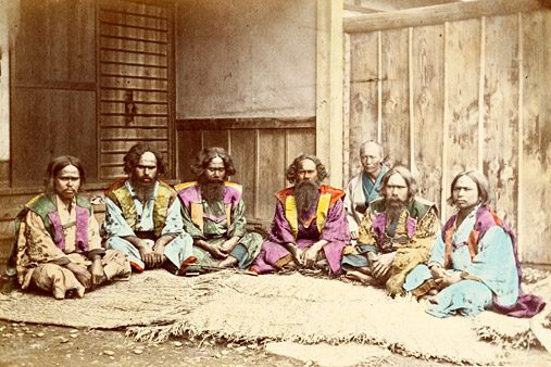 Ainu traditionell