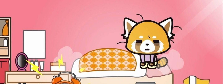 Screenshot von Aggretsuko in ihrem bett sitzend