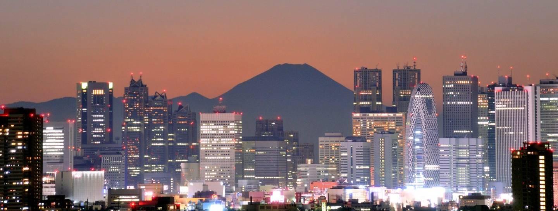 Tōkyō mit dem Fujisan im Hintergrund