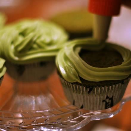 Matcha Zuckerguss Frosting Rezept