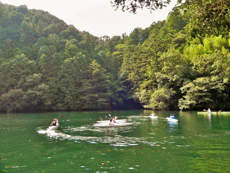 Naka ist ein Paradies für Wassersportler