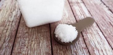 Salz auf Löffel
