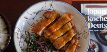 """Das Buch """"Japanisch kochen in Deutschland"""" mit Beispielgericht: Chicken Teriyaki + Joghurt-Miso-Gemüse"""