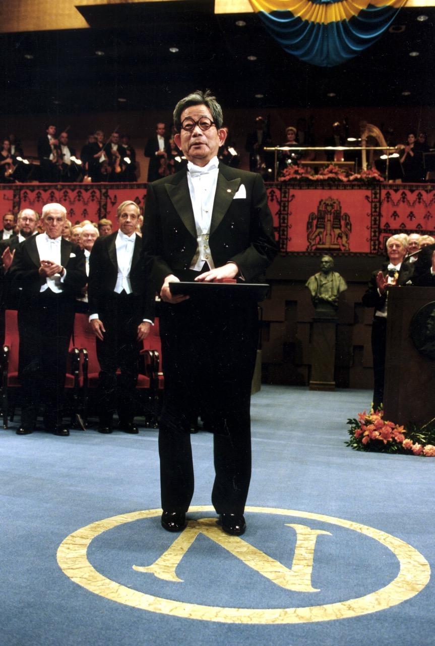 Kenzaburo Oe auf der Nobelpreisverleihung