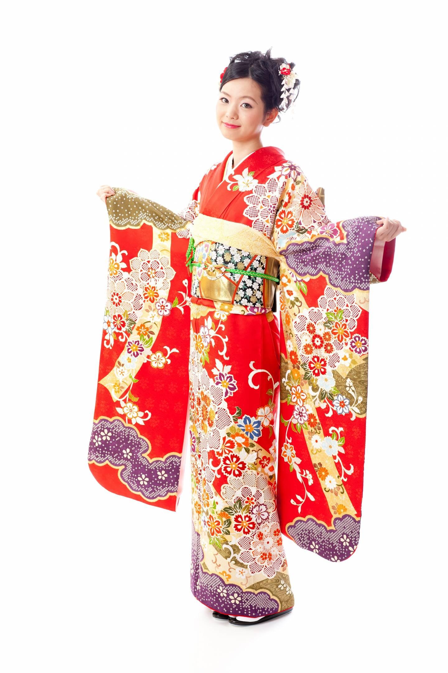furisode: Kimono mit sehr langen Ärmeln