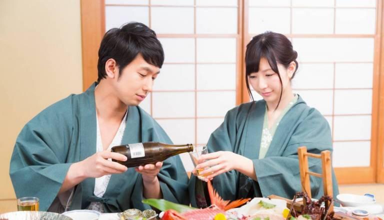 pärchen im ryokan biem essen