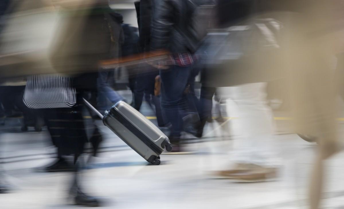 Menschen mit Gepäck