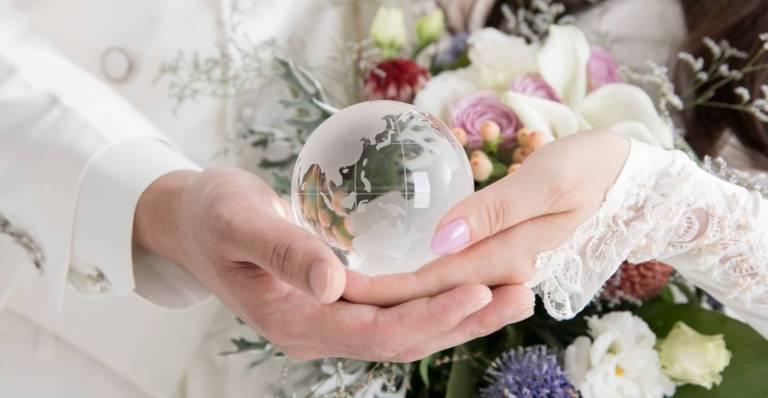 close-up von den händen eines pärchens
