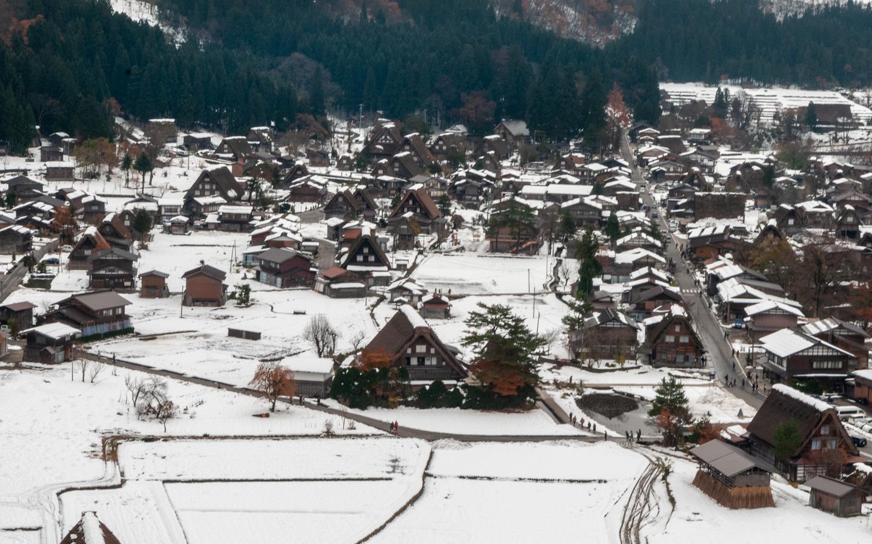 schneebedecktes Dorf Shirakawa
