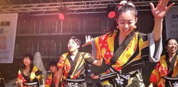 japanische Tanzgruppe auf dem Main Matsuri