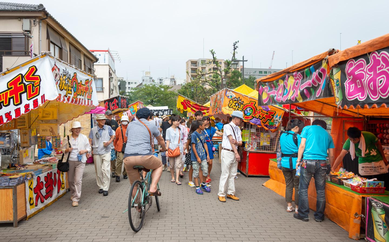 Stände beim Fukagawa Hachiman Fest