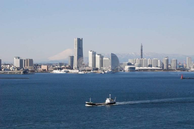 Aussicht auf Minato Mirai vom Wasser