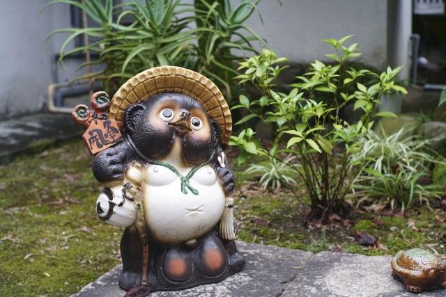Gartenstatue eines Tanuki