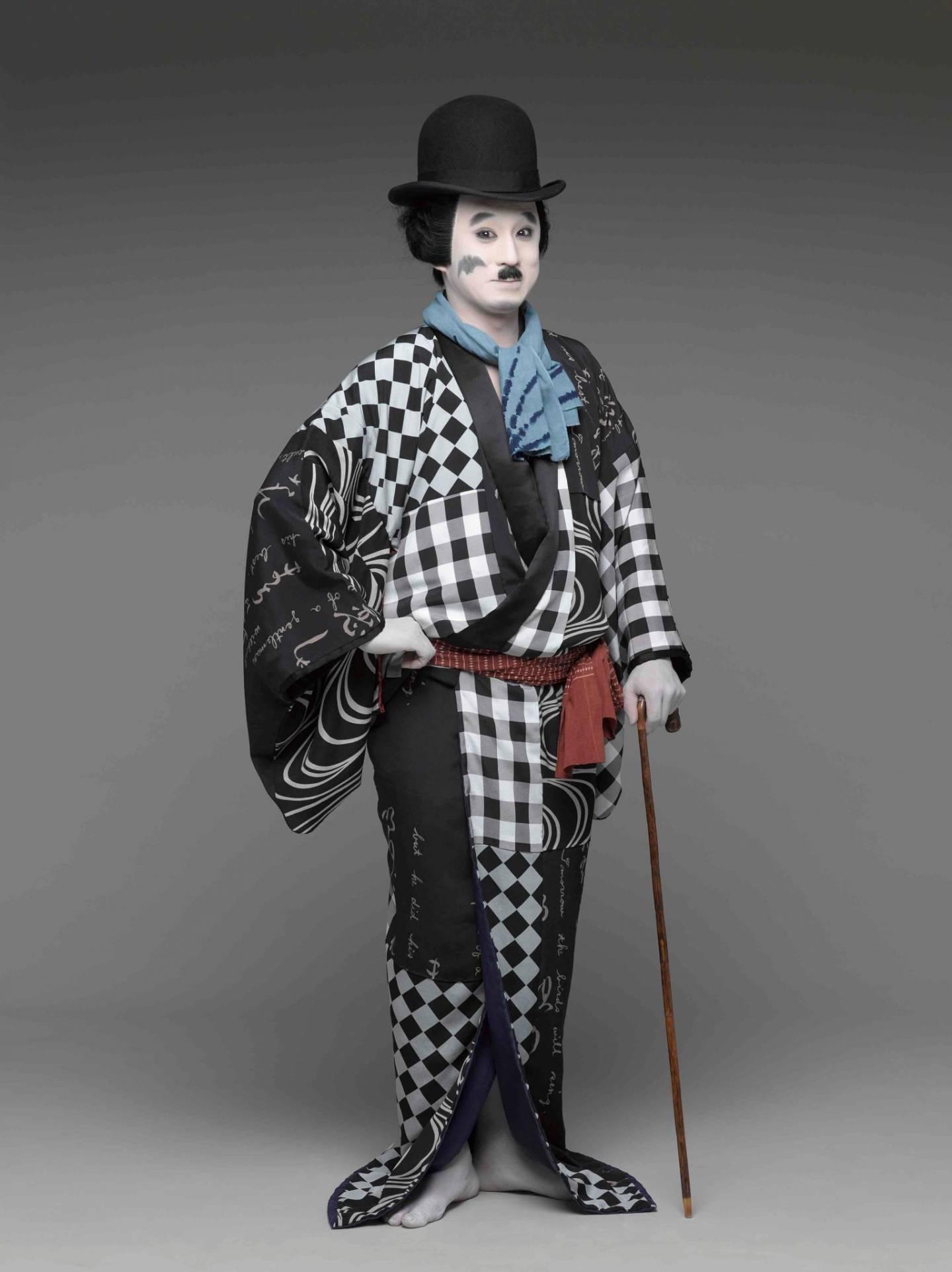 Kabuki-Schauspieler Koshiro Matsumoto als Charlie Chaplin