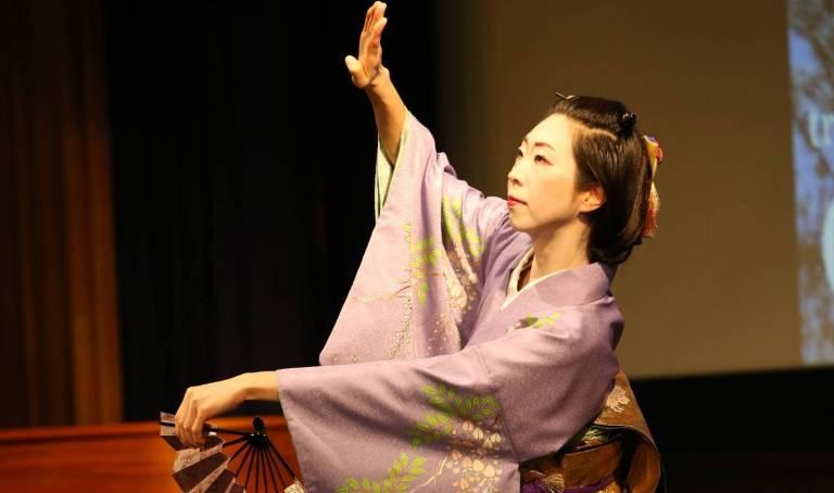 Japanfestival Berlin 2020: Tänzerin im Kimono