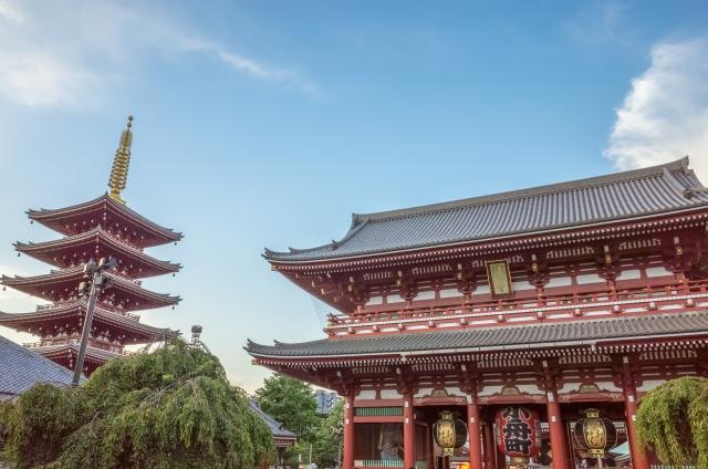 Blick auf Hōzōmon und die 5-stöckige Pagode in Asakusa