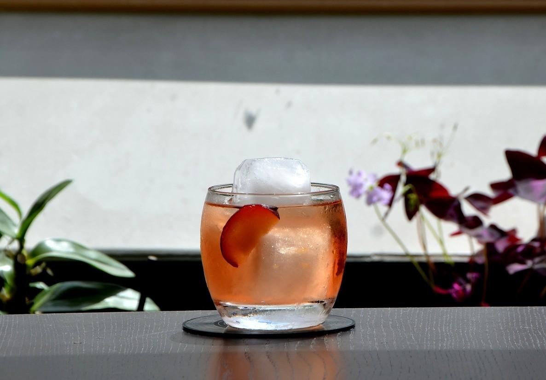 Glas mit Fruchtlikör