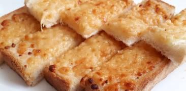 Käse-Miso-Toast