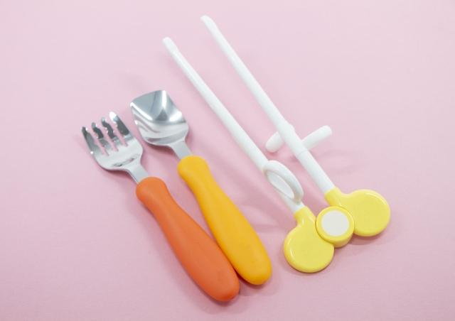 Spezielle Stäbchen für Kinder