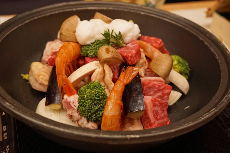 Hotel Onyado Yuinosho: Abendessen mit Rindfleisch, Garnelen und Gemüse