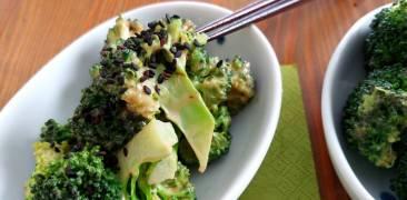Brokkoli in japanischer Sesamsauce