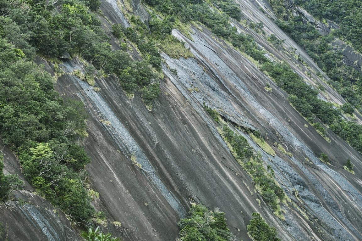 Bergwände auf Yakushima