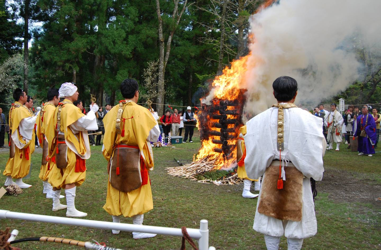 Saitō-Goma Feuerzeremonie in Kumano (Präfektur Wakayama)