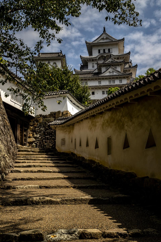 Weg zum zentralen Turm der Burg Himeji
