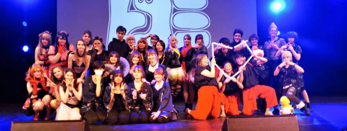 DoKomi: Foto von Bühnenauftritt