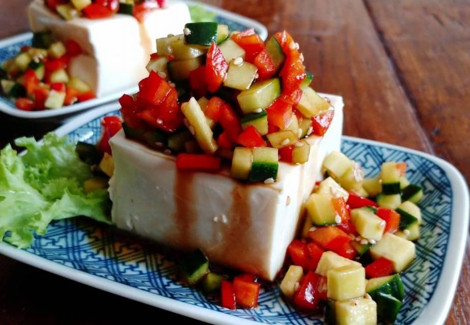 Tofu-Salat mit japanischem Dressing
