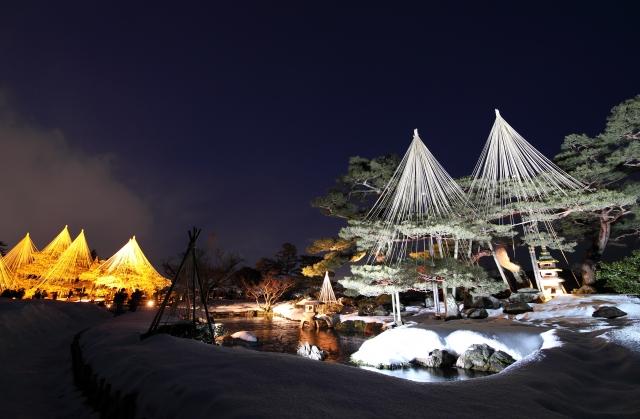 Kenrokuen bei Nacht