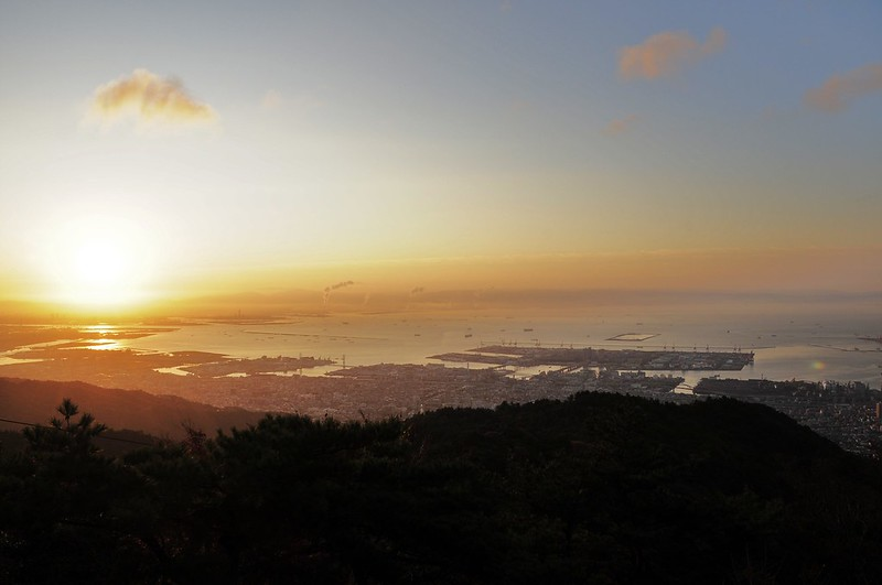 Sonnenaufgang auf dem Mt. Rokkō