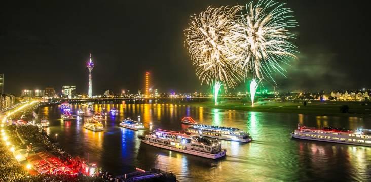 Feuerwerk am Japan-Tag in Düsseldorf