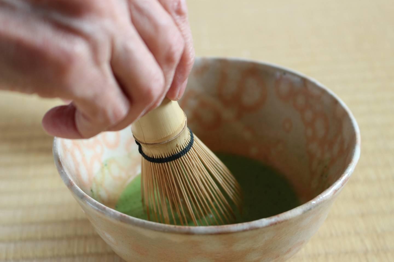 Bambusbesen für die Teezubereitung