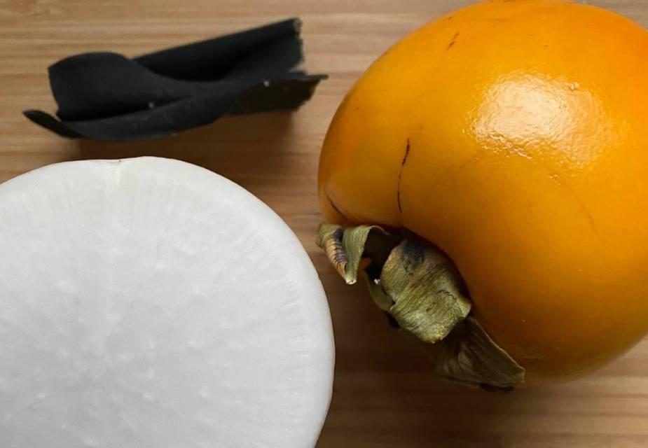 Rettich und Kaki-Frucht