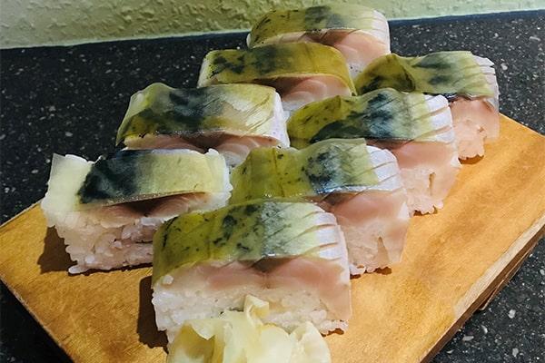 Battera (Makrelen-Sushi)