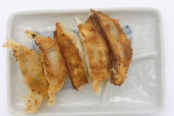 Gyoza (Hausgemacht mit Gemüse u. Koriander)