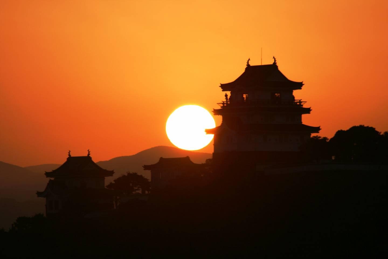 Burg Hirado Sonnenaufgang