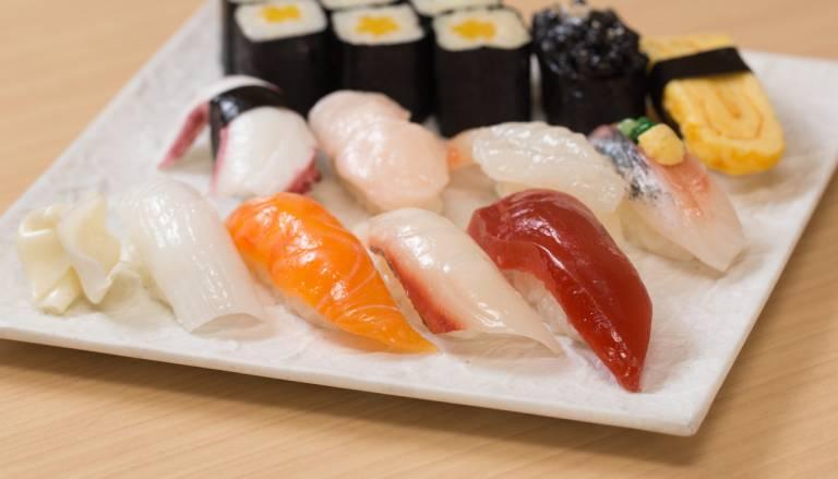 Plastik sushi